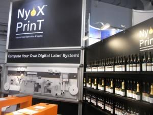 La macchina inkjet UV di questa giovanissima azienda tedesca è specializzata nella stampa di etichette per vino