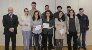 Antonio Bartesaghi con gli studenti premiati