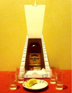 Confezione per Tequila ispirata alle piramidi Maya: M. Capacci