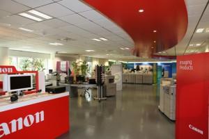 Un'immagine dello showroom Canon