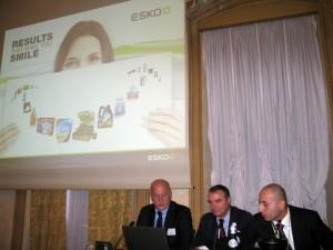 Da sinistra Bassani, Rossano Farinelli e Davide Dal Col presentano il progetto per l'astuccio BTicino