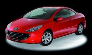 Questa Peugeot Stellar è un altro esempio di rivestimento auto con materiale adesivo. La proposta è di MACtac