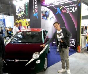 I film adesivi ed estensibili per decorazione di veicoli non hanno limiti: qui un prodotto a superficie vellutata presentato da XMedia