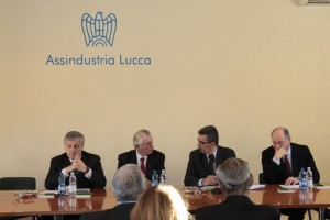 Il tavolo dei lavori: da sinistra AntonioTajan, Paolo Culicchi, Simoncini, Tambellini