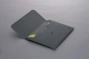 Portadocumenti in similpelle stampati su carta con vernici UV