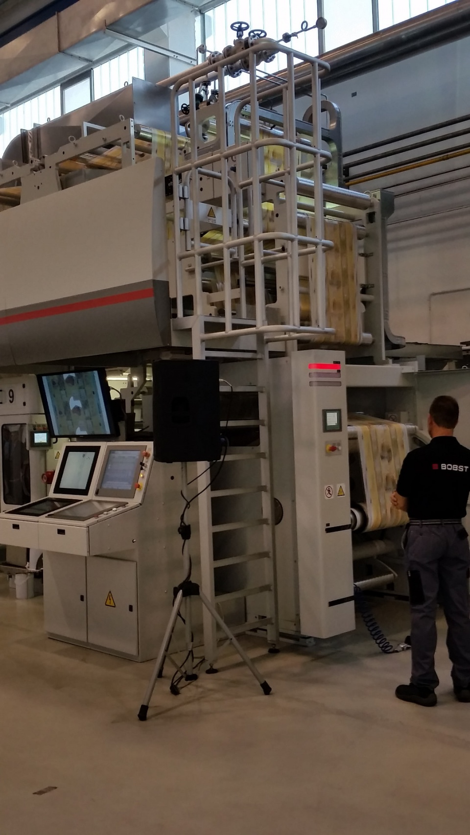 Color printing bobst - After An Automatic Splice Carried Out On The Rewinder At Maximum Speed A Print Sample Master Was Collected Before Changing The Color On One Print Unit