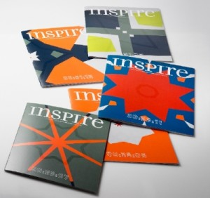 Each and every one of the 22,000 covers of Iggesund Paperboard's inspirational magazine Inspire is unique, with variable printing of colour fields, varnish patterns and time codes.