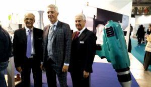 Ignazio Binetti, Stucchi e Carlo Di Noi davanti ad alcune realizzazioni con Massivit