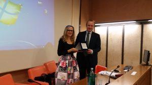La presidente GCT Fulvia Lo Duca ringrazia Alberto Marenghi presidente Confindustria Mantova per l'ospitalità