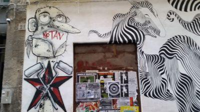 Muri puliti graffito NoTAV