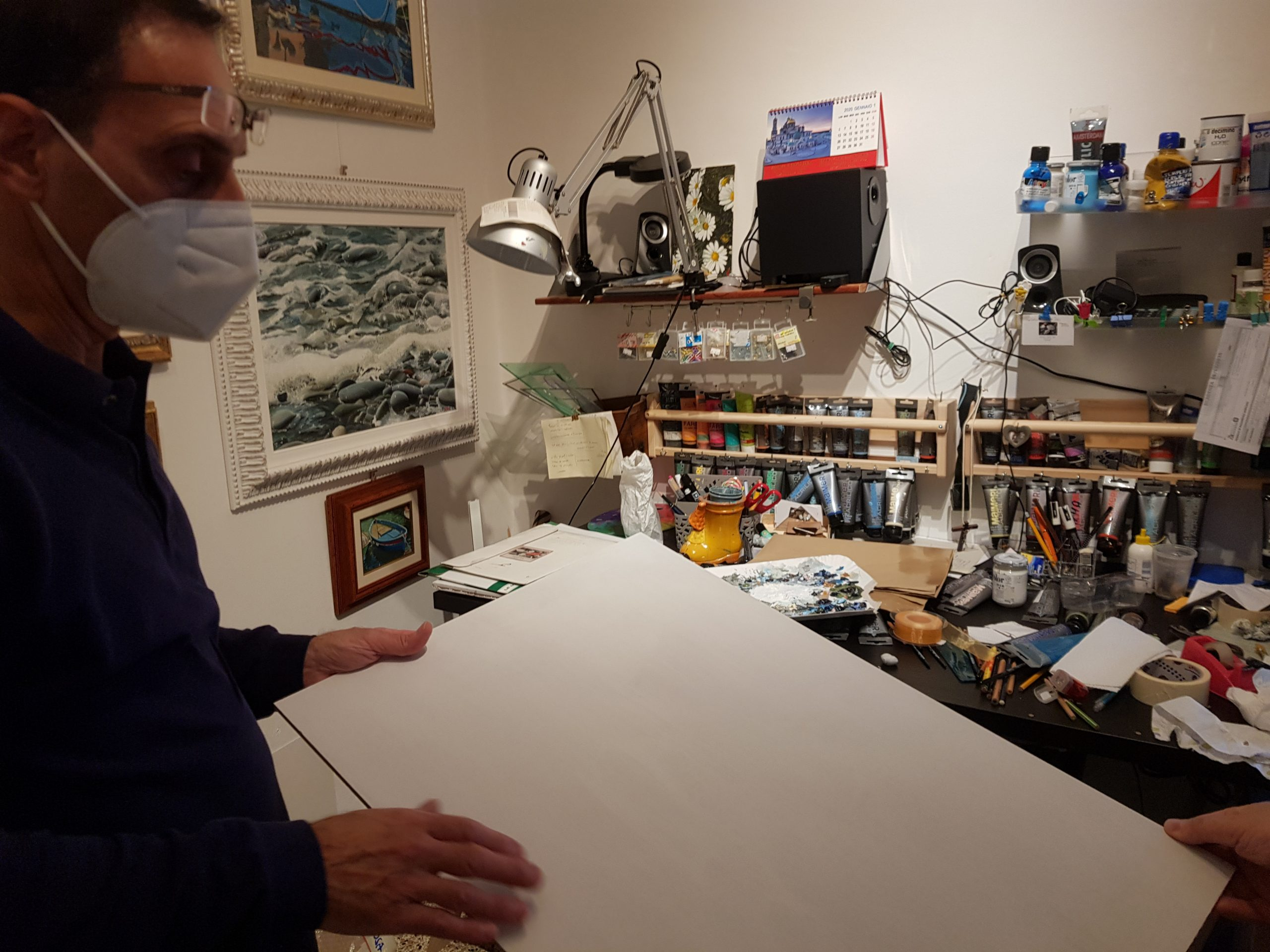 Perini in studio
